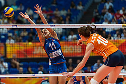 19-10-2018 JPN: Semi Final World Championship Volleyball Women day 20, Yokohama<br /> Serbia - Netherlands / Lonneke Sloetjes #10 of Netherlands, Stefana Veljkovic #11 of Serbia