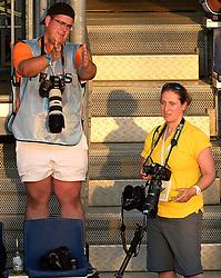 18-07-2014 NED: FIVB Grand Slam Beach Volleybal, Scheveningen<br /> Knock out fase - Media pers press Conny Kurth FIVB fotograaf Pim Waslander