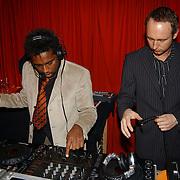 Presentatie beautyspecial Talkies, DJ, deejay, draaitafel, diskjockey,