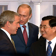 BUSH, PUTIN, HU JUNTAO DE CHINE <br /> ECONOMIC LEADERS MEETING DANS LE PALACIO DE LA MONEDA EN SANTIAGO DE CHILE