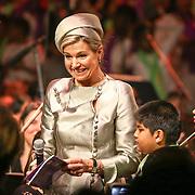 NLD/Amsterdam/20160309 - Koningin Maxima aanwezig bij 10 jarig bestaan Leerorkest Lustrumconcert