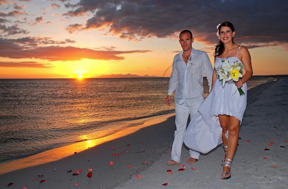 Enlace matrimonial entre Gaby Contreras y Carlos Coste, celebrado en la isla de Cubagua. Venezuela. Cubagua, 26 de Junio del 2010. Jimmy Villalta