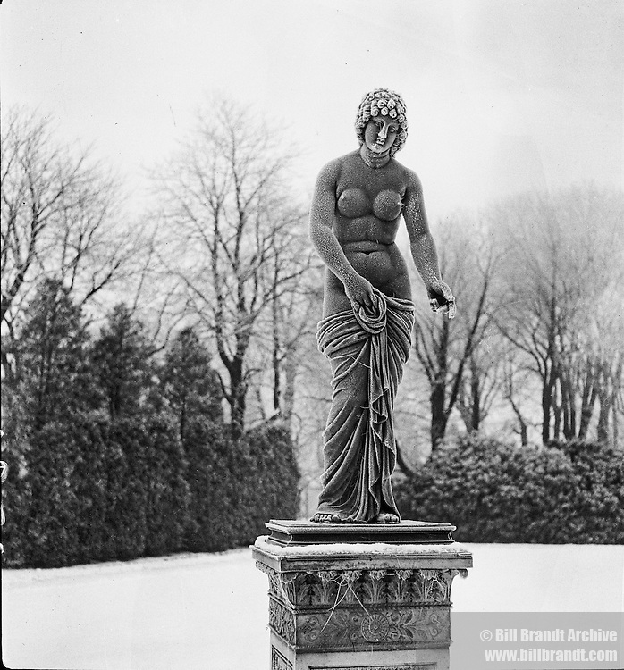 Statue Crystal Palace Gardens 1940s