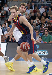 05.10.2013, Fernando Buesa Arena, Vitoria Gazteiz, ESP, Supercopa ACB, FC Barcelona vs Real Madrid, Finale, im Bild FC Barcelona's Brad Oleson (r) and Real Madrid's Rudy Fernandez // during the Supercopa ACB Final match between Barcelona FC vs Real Madrid at the Fernando Buesa Arena in Vitoria Gazteiz, Spain on 2013/10/05. EXPA Pictures © 2013, PhotoCredit: EXPA/ Alterphotos/ Acero<br /> <br /> ***** ATTENTION - OUT OF ESP and SUI *****
