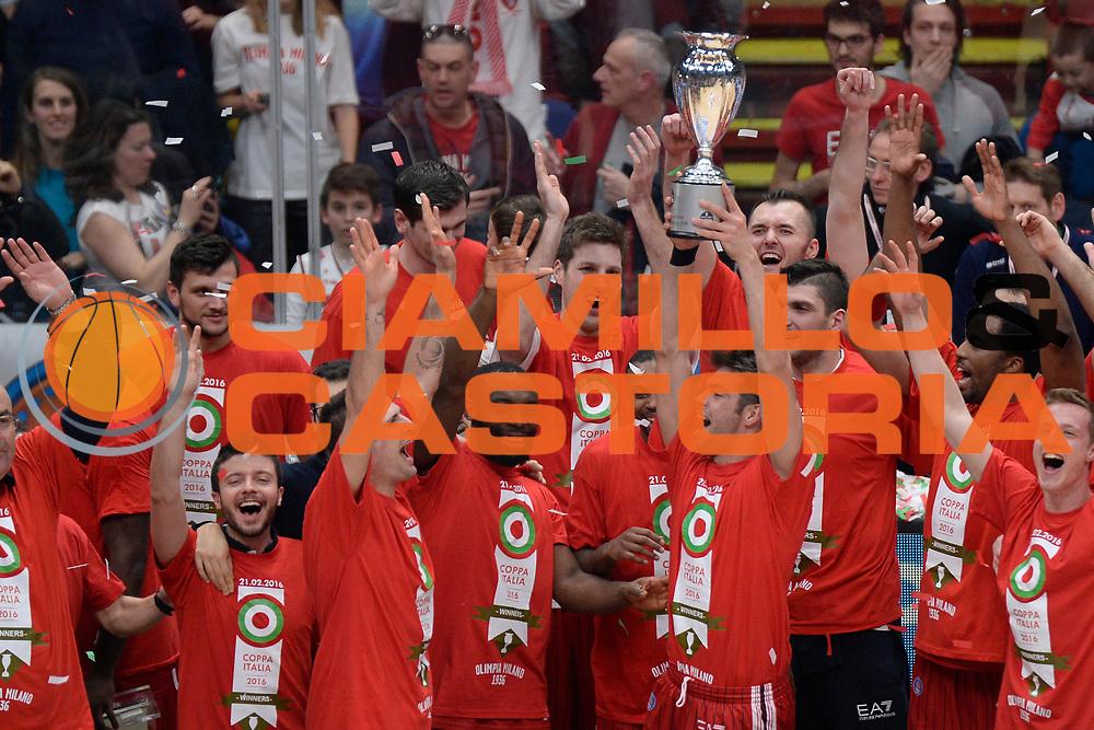 DESCRIZIONE : Milano BEKO Final Eigth  2015-16<br /> Olimpia EA7 Emporio Armani Milano Sidigas Scandone Avellino<br /> GIOCATORE : Olimpia EA7 Emporio Armani Milano<br /> CATEGORIA : Postgame Ritratto Esultanza<br /> SQUADRA : Olimpia EA7 Emporio Armani Milano<br /> EVENTO : BEKO Final Eight 2015-2016<br /> GARA : Olimpia EA7 Emporio Armani Milano  Sidigas Scandone Avellino<br /> DATA : 21/02/2016<br /> SPORT : Pallacanestro<br /> AUTORE : Agenzia Ciamillo-Castoria/D.Matera<br /> Galleria : Lega Basket A 2015-2016<br /> Fotonotizia : Milano Final Eight  2015-16 Olimpia EA7 Emporio Armani Milano Sidigas Scandone Avellino<br /> Predefinita :