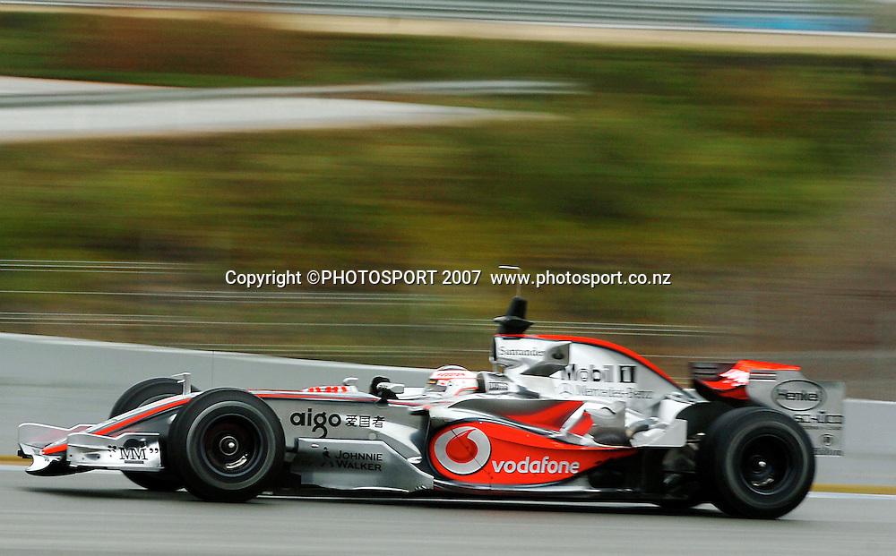 08 FEBRUARY: Fernando Alonso in action during testing in Jerez, Spain. Fernando ALONSO, Spain, McLaren-Mercedes 2007 - 7. Februar 2007 - 07.02. 2007: Formel 1 Testfahrten in Spanien, JEREZ - CREDIT PHOTO:  ©ATP / GLENN CAMPBELL
