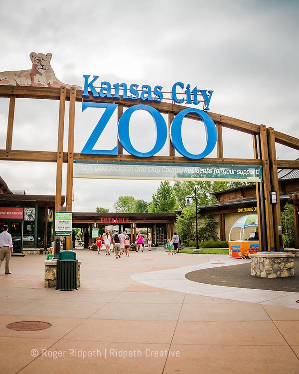 Kansas City Zoo Entrance