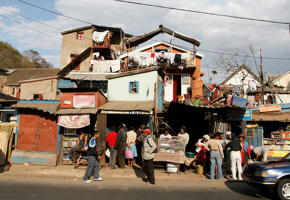 City street scene, Antananarivo. Madagascar...© Zute Lightfoot