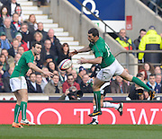 Twickenham Great Britain.  Left, Dave LEARNY and jumping to catch the high ball, Ron KEARNEY, during the 2014 RBS Six Nations Rugby; England vs Ireland. Saturday  22/02/2014  [Mandatory Credit; Peter Spurrier/Intersport-images]