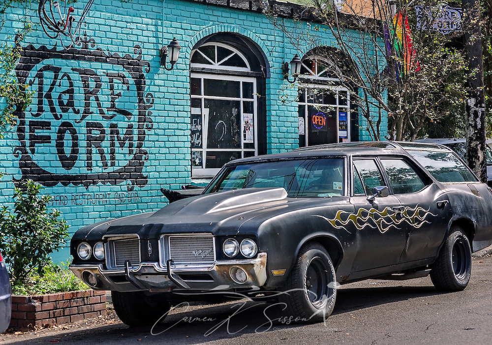 A wall mural and custom-painted Vista Cruiser greets patrons of Rare Form restaurant and bar, November 11, 2015, in New Orleans, Louisiana. (Photo by Carmen K. Sisson/Cloudybright)