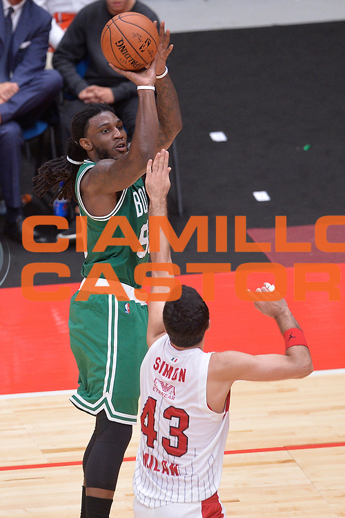 DESCRIZIONE : Milano NBA Global Games EA7 Olimpia Milano - Boston Celtics<br /> GIOCATORE : Jae Crowder<br /> CATEGORIA : Tiro<br /> SQUADRA :  Boston Celtics<br /> EVENTO : NBA Global Games 2016 <br /> GARA : NBA Global Games EA7 Olimpia Milano - Boston Celtics<br /> DATA : 06/10/2015 <br /> SPORT : Pallacanestro <br /> AUTORE : Agenzia Ciamillo-Castoria/IvanMancini<br /> Galleria : NBA Global Games 2016 Fotonotizia : NBA Global Games EA7 Olimpia Milano - Boston Celtics
