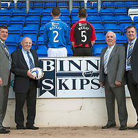 St Johnstone FC back of shirt sponsorship deal with Binn Waste....27.07.13<br /> Pictured from left, Tommy Wright St Johnstone Manager, John MacGregor Binn Waste, Dave Mackay, Frazer Wright, Jim Renton Binn Waste and Roddy Grant St Johnstone Associate Director.<br /> Picture by Graeme Hart.<br /> Copyright Perthshire Picture Agency<br /> Tel: 01738 623350  Mobile: 07990 594431