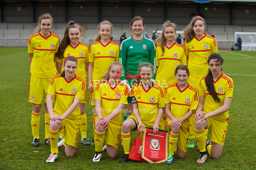NEWPORT, WALES - Friday, April 1, 2016: Wales' players line up for a team group photograph before the game against England during Day 1 of the Bob Docherty International Tournament 2016 at Dragon Park. Back row L-R: Ellie-Mai Sanford, Jasmine Rowley, Elena Scrivens, goalkeeper Deanna Lewis, Gemma Prosser, Grace Corne. Front row L-R: Samantha Wynne, Anneka Bardsley, captain Hayley Hoare, Ffion James, Thierry-Jo Gauvain. (Pic by David Rawcliffe/Propaganda)