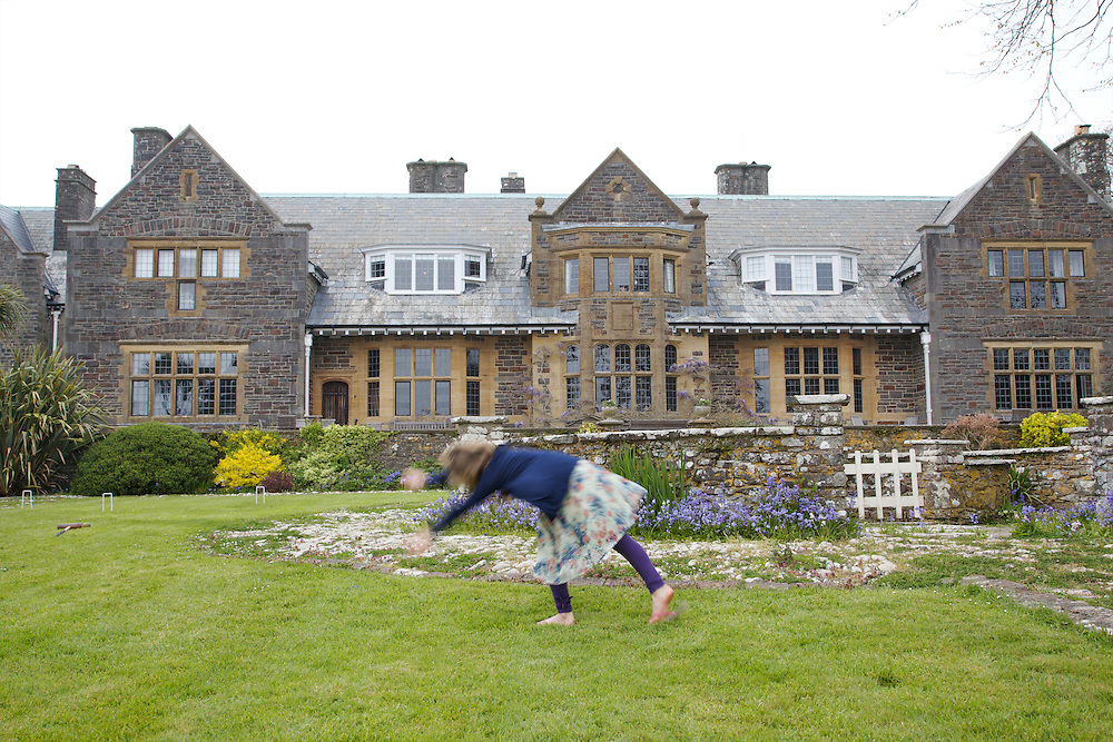 Playing in the garden at Pickwell Manor, Milly-grace (8). Pickwell Manor, Georgeham, North Devon, UK.<br /> CREDIT: Vanessa Berberian for The Wall Street Journal<br /> HOUSESHARE