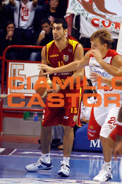 DESCRIZIONE : Pistoia Lega A2 2008-09 Carmatic Pistoia Prima Veroli<br /> GIOCATORE : Bianchi Pietro<br /> SQUADRA : Prima Veroli<br /> EVENTO : Campionato Lega A2 2008-2009<br /> GARA : Carmatic Pistoia Prima Veroli<br /> DATA : 05/10/2008<br /> CATEGORIA : Passaggio<br /> SPORT : Pallacanestro<br /> AUTORE : Agenzia Ciamillo-Castoria/Stefano D'Errico