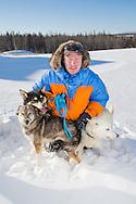 Mats Pettersson tillsammans med sina hundar Avalanche, Holly och Ranger.