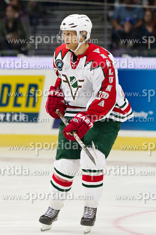 30.09.2011, Scandinavium, Goeteborg, SWE, NHL Premiere Challenge, Froelunda HC vs New York Rangers, im Bild Frölunda 10 Fredrik Pettersson // during NHL premiere challange game between Froelunda HC vs New York Rangers at Scandinavium in Goeteborg, Sweden on 2011/09/30. EXPA Pictures © 2011, PhotoCredit: EXPA/ PICAGENCY Skycam/ Per Friske +++++ ATTENTION - OUT OF SWEDEN/SWE +++++