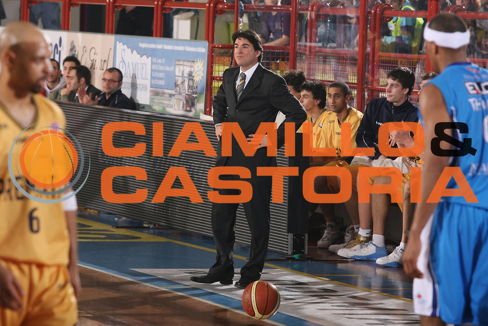 DESCRIZIONE : Porto San Giorgio Lega A1 2007-08 Premiata Montegranaro Eldo Napoli <br /> GIOCATORE : Alessandro Finelli <br /> SQUADRA : Premiata Montegranaro <br /> EVENTO : Campionato Lega A1 2007-2008 <br /> GARA : Premiata Montegranaro Eldo Napoli <br /> DATA : 23/02/2008 <br /> CATEGORIA : Delusione <br /> SPORT : Pallacanestro <br /> AUTORE : Agenzia Ciamillo-Castoria/G.Ciamillo