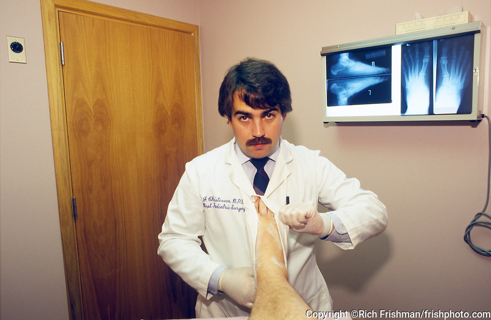 Footograph: Point-of-view photograph of podiatrist Dr. Jeffrey Christensen making a cast of my right foot in his Everett Washington USA office for an arch support orthotic.