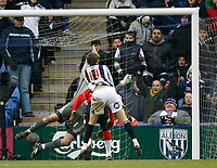 Photo: Steve Bond/Sportsbeat Images.<br /> West Bromwich Albion v Charlton Athletic. Coca Cola Championship. 15/12/2007. Zoltan Gera's (11) header hits the roof of the net to put West Brom 3-2 up