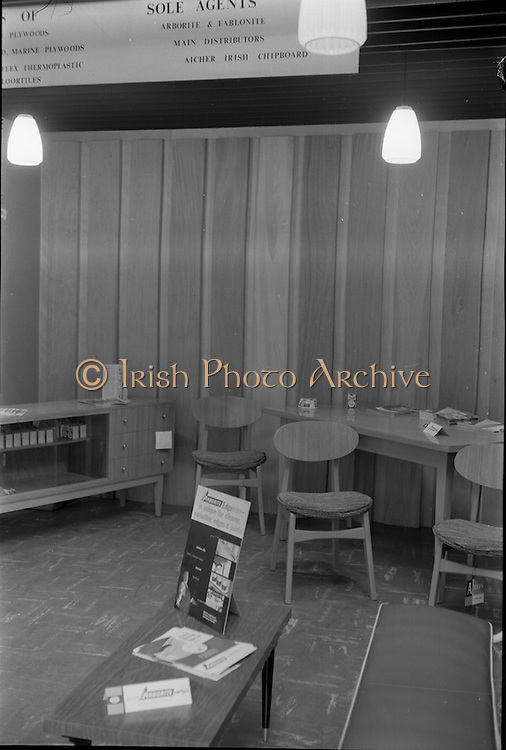 08/08/1962<br /> 08/08/1962<br /> 08 August 1962 <br /> Dublin Horse show at the RDS, Ballsbridge, Dublin, Wednesday. Doyle and O'Sullivan Stand at the RDS Horse Show. Furniture and building materials display.