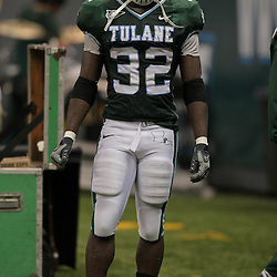 Sep 26, 2009; New Orleans, LA, USA;  Tulane Green Wave running back Andre Anderson (32) warms up before the start of the second half against the McNesse State Cowboys at the Louisiana Superdome. Tulane defeated McNeese State 42-32. Mandatory Credit: Derick E. Hingle-US PRESSWIRE