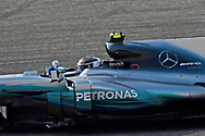 Valtteri Bottas of Mercedes AMG Petronas during the Bahrain Formula One Grand Prix Qualifying session at the International Circuit, Sakhir<br /> Picture by EXPA Pictures/Focus Images Ltd 07814482222<br /> 15/04/2017<br /> *** UK &amp; IRELAND ONLY ***<br /> <br /> EXPA-EIB-170415-0307.jpg