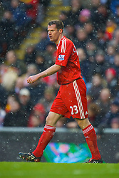 LIVERPOOL, ENGLAND - Sunday, February 1, 2009: Liverpool's Jamie Carragher in the falling snow during the Premiership match against Chelsea at Anfield. (Mandatory credit: David Rawcliffe/Propaganda)