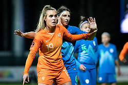 Jil Roord of Nederland  and Kaja Korošec of Slovenia during football match between Slovenia and Nederland in qualifying Round of Woman's qualifying for EURO 2021, on October 5, 2019 in Mestni stadion Fazanerija, Murska Sobota, Slovenia. Photo by Blaž Weindorfer / Sportida