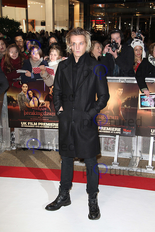 Jamie Campbell Bower The Twilight Saga: Breaking Dawn Part 1 UK Premiere, Westfield Startford City, London, UK. 16 November 2011. Contact rich@pictured.com +44 07941 079620 (Picture by Richard Goldschmidt)