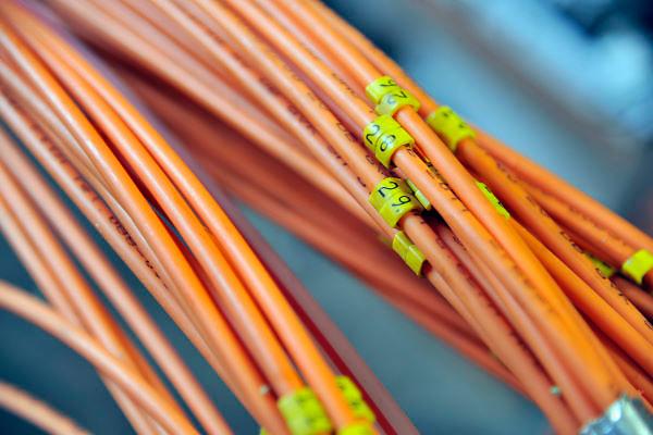 Nederland, Nijmegen, 8-3-2012 Glasvezelnetwerk gemeente Nijmegen. Woningen worden aangesloten op het glasvezelnet. Kabels voor 42 woningen. Modern supersnel netwerk waarop aanbieders van internet, digitale tv en telefonie hun diensten kwijt kunnen. Foto: Flip Franssen/Hollandse Hoogte