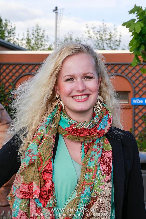 NLD/Harderwijk/20130515 - Premiere Aqua Bella show Dolfinarium Harderwijk, Kaylee van Starrenburg