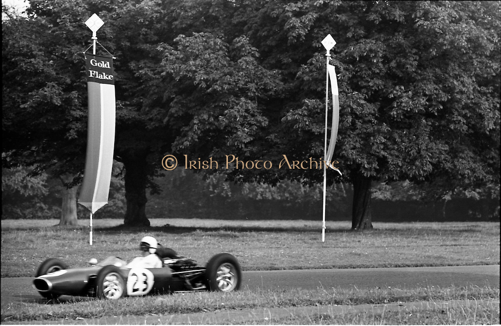 16/09/1967<br /> 09/16/1967<br /> 16 September 1967<br /> Phoenix Park Motor Racing, Kingsway Trophy Race, sponsored by Player and Wills (Ireland) Limited. <br /> Image shows B. Quin's Crossle.