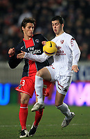 Fotball<br /> Frankrike<br /> Foto: DPPI/Digitalsport<br /> NORWAY ONLY<br /> <br /> FOOTBALL - FRENCH CHAMPIONSHIP 2007/2008 - L1 - PARIS SG v FC METZ - 23/01/2008 - JEREMY CLEMENT (PSG) / MIRALEM PJANIC (METZ)
