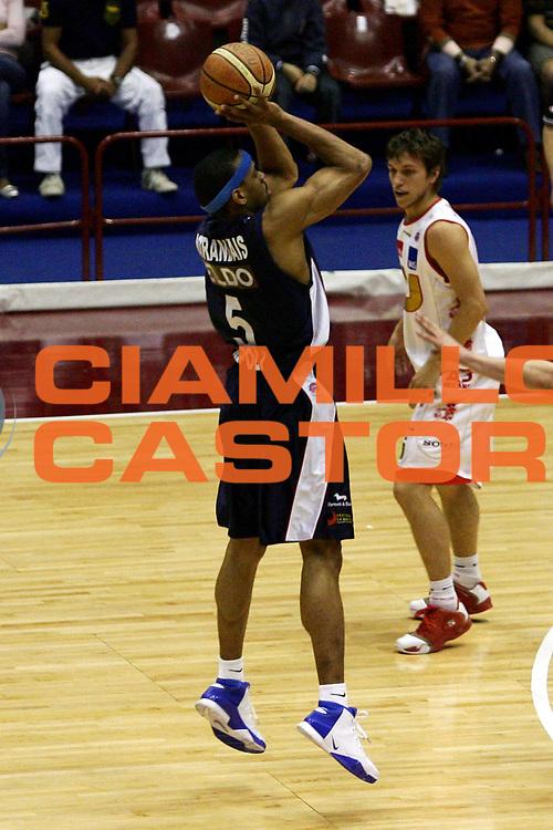 DESCRIZIONE : Milano Lega A1 2006-07 Armani Jeans Milano Eldo Napoli<br /> GIOCATORE : Morandais<br /> SQUADRA : Eldo Napoli<br /> EVENTO : Campionato Lega A1 2006-2007<br /> GARA : Armani Jeans Milano Eldo Napoli<br /> DATA : 29/04/2007<br /> CATEGORIA : Tiro<br /> SPORT : Pallacanestro<br /> AUTORE : Agenzia Ciamillo-Castoria/L.Lussoso