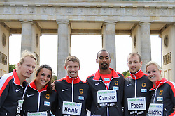 "05.09.2015, Brandenburger Tor, Berlin, GER, Leichtathletik Meeting, Berlin fliegt, im Bild Tobias Scherbarth (TSV Bayer 04 Leverkusen), Lena Markus (SC Preußen Muenster), Fabian Heinle (LAV Stadtwerke Tübingen), Alan Camara (TSV Bayer 04 Leverkusen), Carlo Paech (TSV Bayer 04 Leverkusen) und Melanie Bauschke (LAC Olympia 88 Berlin) // during the Athletics Meeting ""Berlin flies"" at the Brandenburger Tor in Berlin, Germany on 2015/09/05. EXPA Pictures © 2015, PhotoCredit: EXPA/ Eibner-Pressefoto/ Eibner-Pressefoto<br /> <br /> *****ATTENTION - OUT of GER*****"