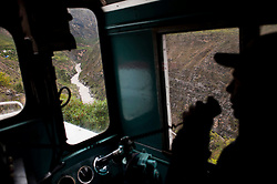 Traveling gets complicated between January and March, rainy season in the Andes. Although the train now departs punctually at 6:30 a.m. from Chilca Station in Huancayo, the arrival time in Huancavelica is uncertain. The zigzaging line that travels along mountains and cliffs is susceptible to frequent landslides. Some can be cleared from the tracks in less than an hour while others force the tren macho to turn around and head back home.