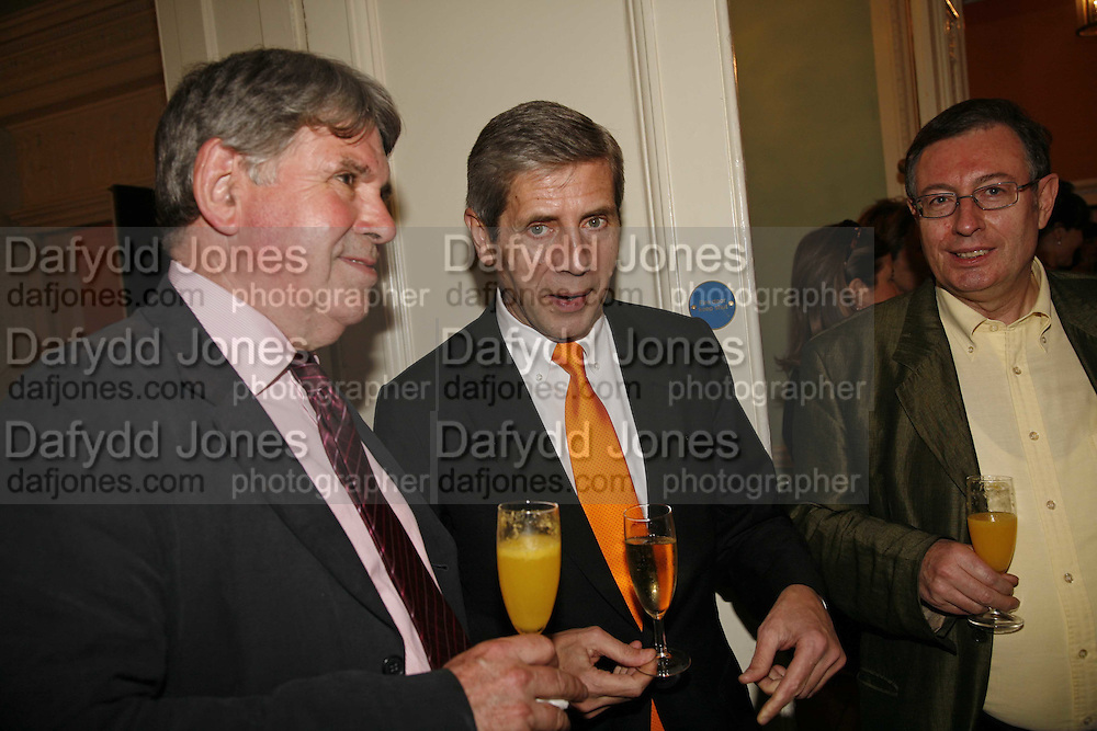Dennis Doble and Stuart Rose, Book launch of 'A Much Married Man' by Nicholas Coleridge. English Speaking Union. London. 4 May 2006. ONE TIME USE ONLY - DO NOT ARCHIVE  © Copyright Photograph by Dafydd Jones 66 Stockwell Park Rd. London SW9 0DA Tel 020 7733 0108 www.dafjones.com