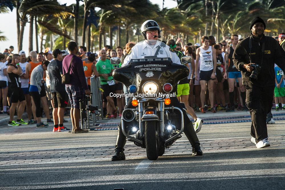 20151122 Fort Lauderdale  Florida USA <br /> Polis p&aring; mc vid<br /> FT Lauderdale beach<br /> <br /> <br /> FOTO : JOACHIM NYWALL KOD 0708840825_1<br /> COPYRIGHT JOACHIM NYWALL<br /> <br /> ***BETALBILD***<br /> Redovisas till <br /> NYWALL MEDIA AB<br /> Strandgatan 30<br /> 461 31 Trollh&auml;ttan<br /> Prislista enl BLF , om inget annat avtalas.