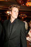 JAMES CRACKNELL, 17th Annual Book Awards, hosted by richard and Judy. grosvenor House. London. 29 March 2006. ONE TIME USE ONLY - DO NOT ARCHIVE  © Copyright Photograph by Dafydd Jones 66 Stockwell Park Rd. London SW9 0DA Tel 020 7733 0108 www.dafjones.com