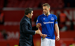 MANCHESTER, ENGLAND - Sunday, October 28, 2018: Everton's manager Marco Silva speaks with captain Gylfi Sigurdsson after the FA Premier League match between Manchester United FC and Everton FC at Old Trafford. Everton lost 2-1. (Pic by David Rawcliffe/Propaganda)
