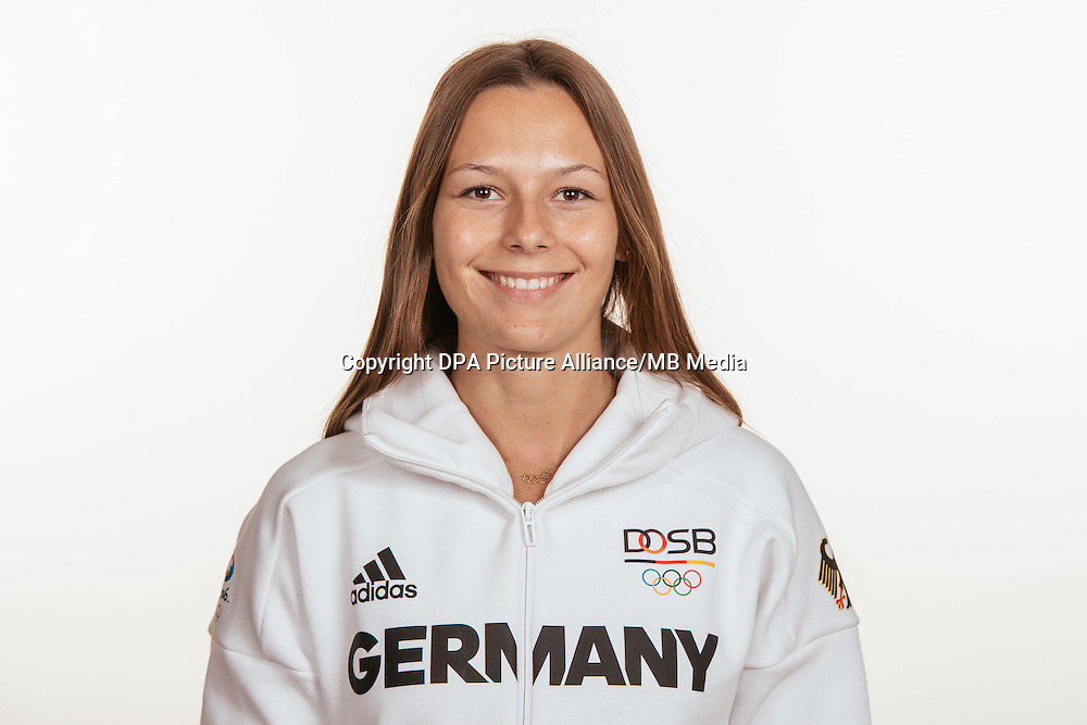 Frederike Möhlenkamp poses at a photocall during the preparations for the Olympic Games in Rio at the Emmich Cambrai Barracks in Hanover, Germany, taken on 15/07/16 | usage worldwide
