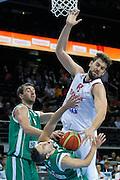 DESCRIZIONE : Kaunas Lithuania Lituania Eurobasket Men 2011 Quarter Final Round Spagna Slovenia Spain Slovenia<br /> GIOCATORE : Marc Gasol<br /> CATEGORIA : tiro penetrazione fallo<br /> SQUADRA : Spagna Slovenia Spain Slovenia<br /> EVENTO : Eurobasket Men 2011<br /> GARA : Spagna Slovenia Spain Slovenia<br /> DATA : 14/09/2011<br /> SPORT : Pallacanestro <br /> AUTORE : Agenzia Ciamillo-Castoria/M.Metlas<br /> Galleria : Eurobasket Men 2011<br /> Fotonotizia : Kaunas Lithuania Lituania Eurobasket Men 2011 Quarter Final Round Spagna Slovenia Spain Slovenia<br /> Predefinita :