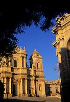 Italie - Sicile - Noto, ville baroque - Cathedrale San Nicolo