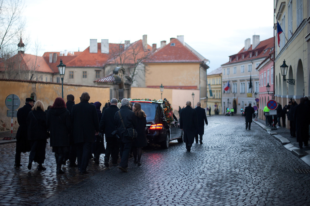 About 10000 Czech citizens accompanied the remains of Vaclav Havel from the Old Town part in Prague across Charles Bridge   up to Prague Castle, the seat of Czech presidents. Family members and closest friends are following the car with Havel's remains during the mourning procession in Prague.