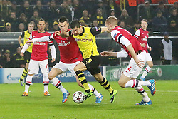 06.11.2013, Signal Iduna Park, Dortmund, GER, UEFA CL, Borussia Dortmund vs FC Arsenal, Gruppe F, im Bild Laurent Koscielny #6 (Arsenal FC), Per Mertesacker #4 (Arsenal FC) im Zweikampf gegen Robert Lewandowski #9 (Borussia Dortmund), Aktion, Action // during UEFA Champions League group F match between Borussia Dortmund and Arsenal FC at the Signal Iduna Park in Dortmund, Germany on 2013/11/07. EXPA Pictures © 2013, PhotoCredit: EXPA/ Eibner-Pressefoto/ Schueler<br /> <br /> *****ATTENTION - OUT of GER*****