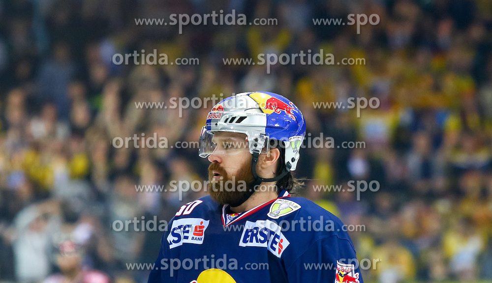 10.04.2015, Albert Schultz Eishalle, Wien, AUT, EBEL, UPC Vienna Capitals vs EC Red Bull Salzburg, Finale, 2. Spiel, im Bild Troy Milam (Salzburg) // during the Erste Bank Icehockey League 2nd final match between UPC Vienna Capitals and EC Red Bull Salzburg at the Albert Schultz Ice Arena, Vienna, Austria on 2015/04/10. EXPA Pictures © 2015, PhotoCredit: EXPA/ Sebastian Pucher