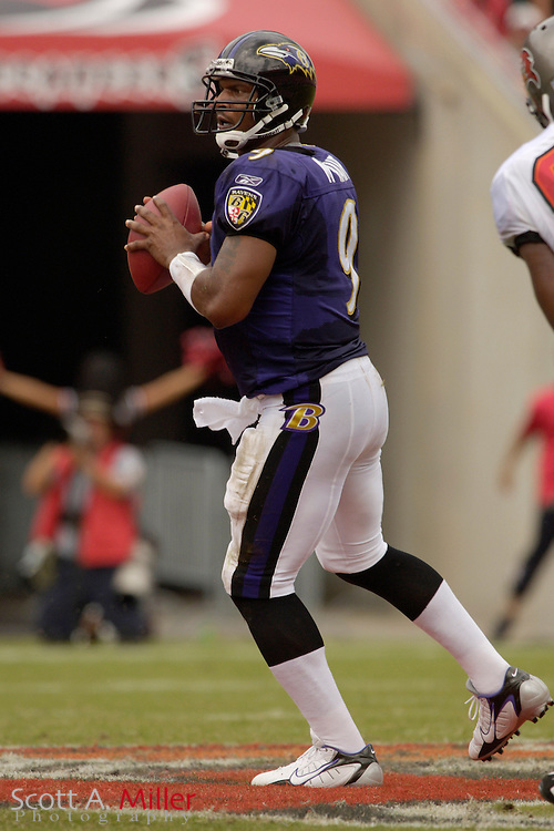 Sept. 10, 2006; Tampa, FL, USA;  Baltimore Ravens quarterback Steve McNair in action against the Tampa Bay Buccaneers at Raymond James Stadium. ©2006 Scott A. Miller