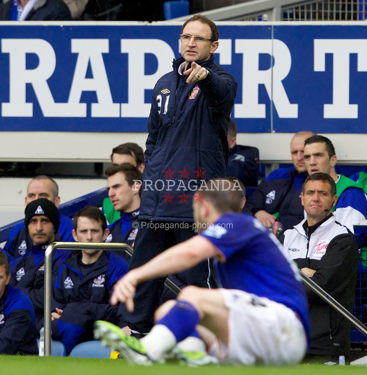 LIVERPOOL, ENGLAND - Easter Monday, April 9, 2012: Sunderland's manager Martin O'Neill during the Premiership match against Everton at Goodison Park. (Pic by Vegard Grott/Propaganda)
