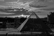 France. Paris. 1st district. Louvre museum.   Louvre Pyramid    Architecte, PEY.for commercial use, you have to contact the EPGL etablissement public du grand Louvre.